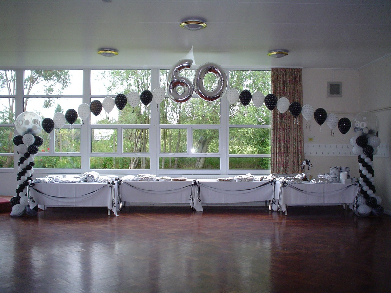 Black white 60th amsat uk for Anniversary decoration ideas home