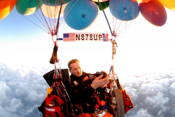 Jonathan Trappe KJ4GQV crossing the Alps in his cluster balloon - Image credit Jonathan Trappe