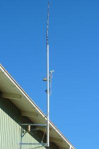 N9TAX Slim Jim mounted on top of the 3-meter mast