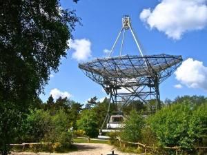 PI9CAM Dwingeloo 25 meter dish antenna