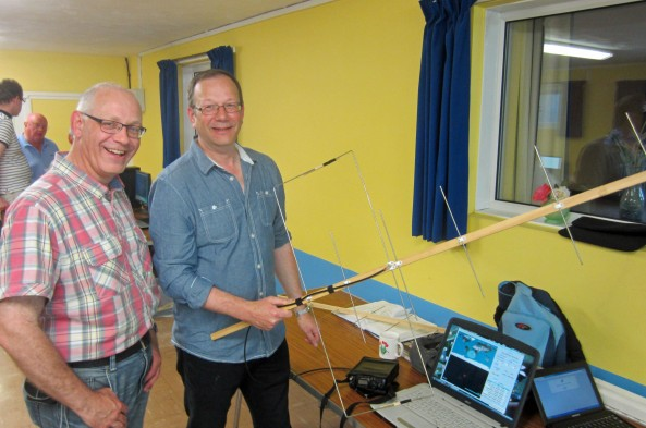 Working the OSCAR Satellites - Graham Leggett G7JYD and Steve Hedgecock M0SHQ