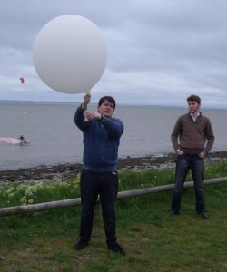 Chris M6EDF launching SXHAM1 - Image Credit Ed Bye G8FAX