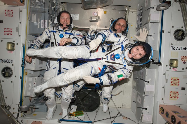 Samantha Cristoforetti IZ0UDF with Terry Virts and Anton Shkaplerov - Credit NASA
