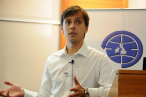 Aleksander Lidtke at 2014 AMSAT-UK International Space Colloquium - Image DK3WN