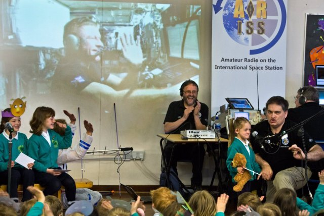Four year old Esme Thorpe used amateur radio to talk to Tim Peake May 5, 2016 - Copyright ImageNorth 2016