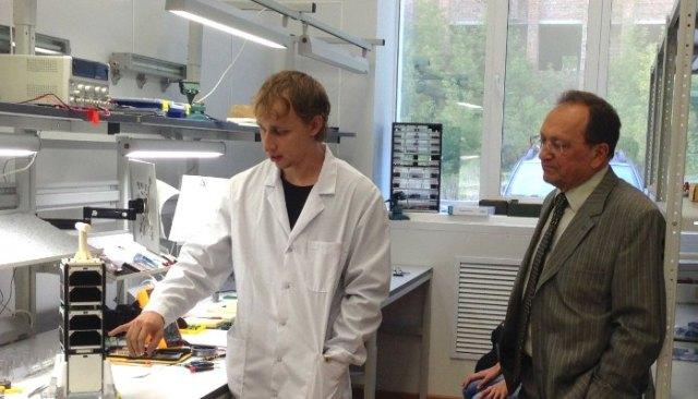 SamSat-218 lead developer Efim Ustiugov with Professor Igor Belokonov