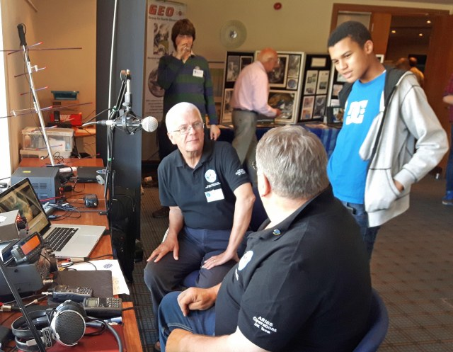 AMSAT-UK Ground Station Team Explaining Satellite Working - Credit Mike Rupprecht DK3WN