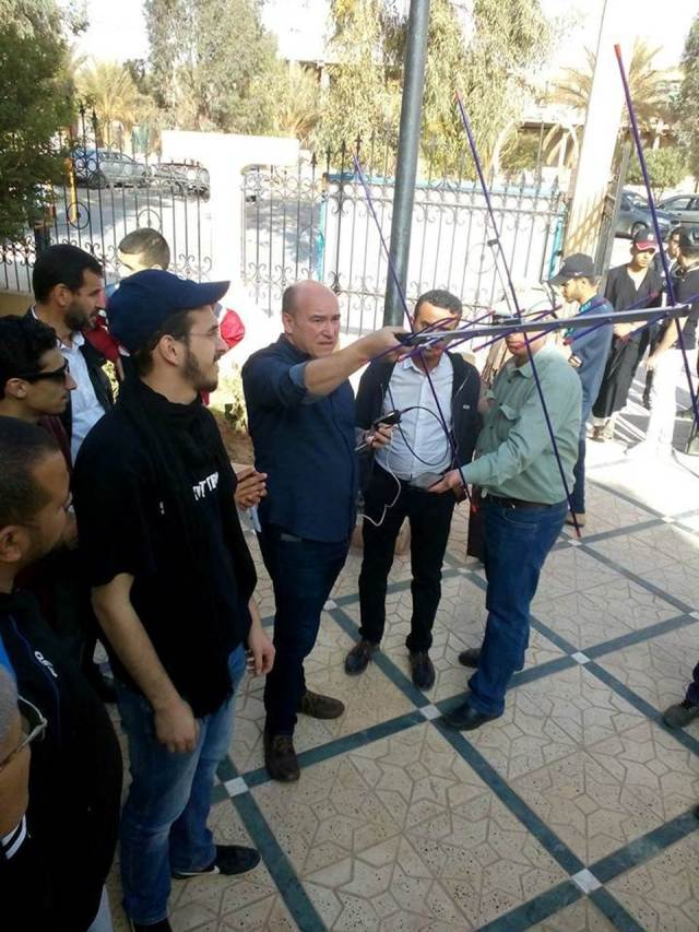 Abdel Mesbah M0NPT demonstrating satellite operation